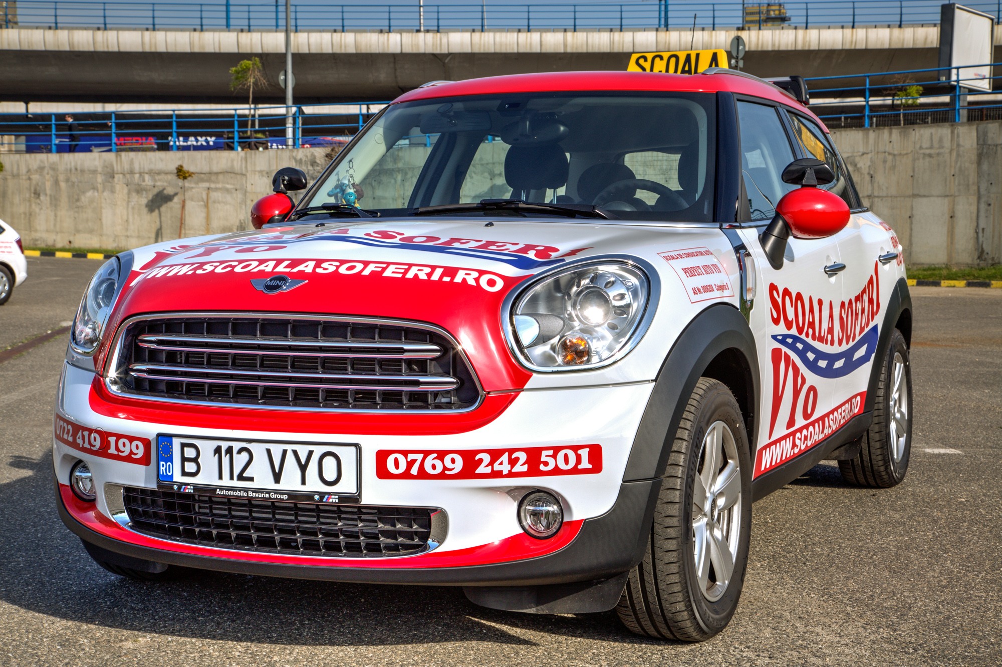 MINI Cooper Countryman.jpg